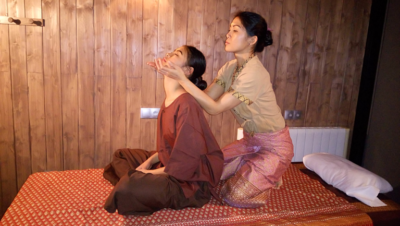massage thai traditionnel assis